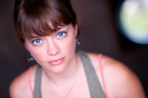 Hannah Phelps '04 takes theatre degree to Chicago
