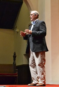 Farmer, Author, Lecturer Salatin Presents on Feeding the World with Organic Farming