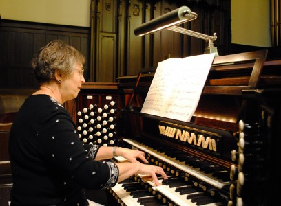 Organ Lady-Connie Lee (web)