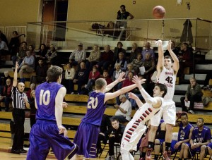 Men's basketball easily puts out Prairie Fire
