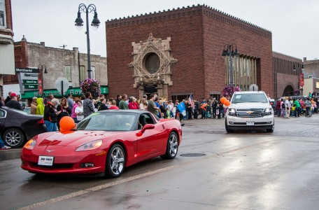Fancy cars join in the homecoming parade festivities. Photo by Sydney Steinle.