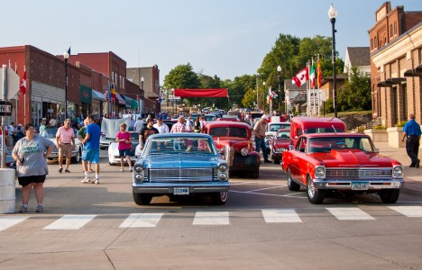 Last year's classic cars pose for a photo in Brooklyn, Iowa. Photo contributed.