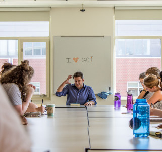 Bakopoulos spoke about the writing process to students and writers in a round table before his reading. Photo by Jeff Li