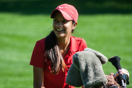 Vidushi Sinha '19 tied for second place with a score of 77 at the Grinnell Invitational.  Photo by Sophie Banegas.