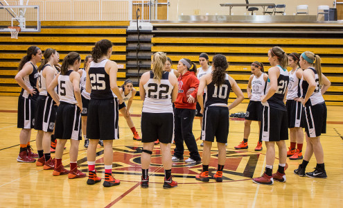 The women's basketball team, who are now 3-2 on the season, huddle during practice this week.   Photo by Sarah Ruiz