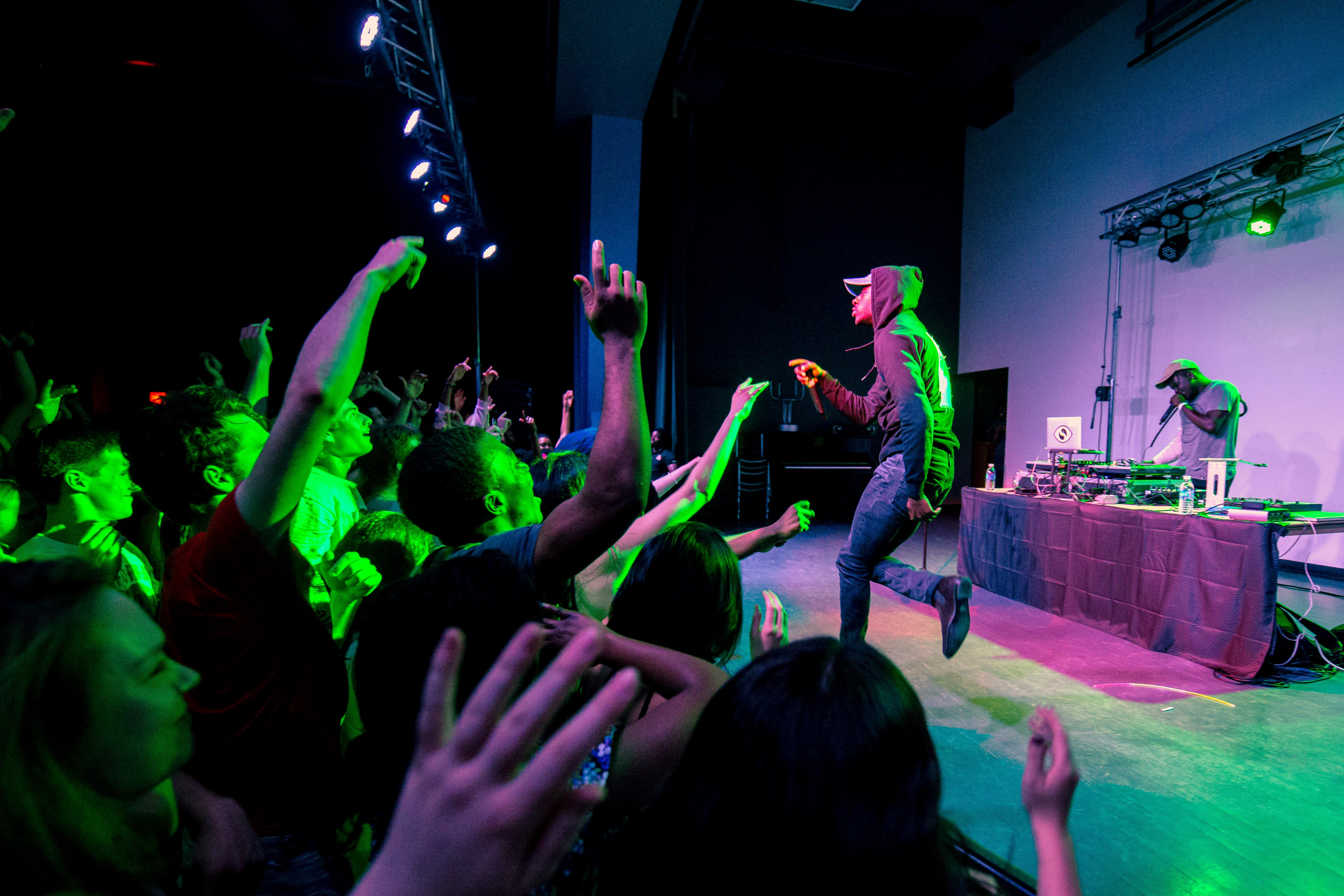GoldLink perfromed in Harris last Friday night, May 6, to an enthusiastic crowd. Photo by Alberto Vazquez