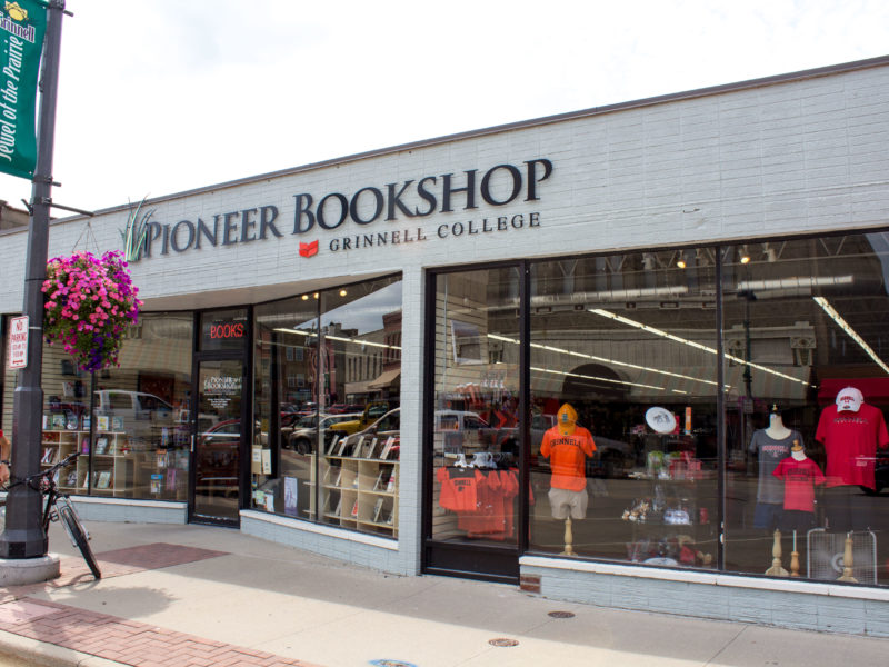 The new location merges the on-campus bookstore and Pioneer Bookshop. Photo by Jeff Li.